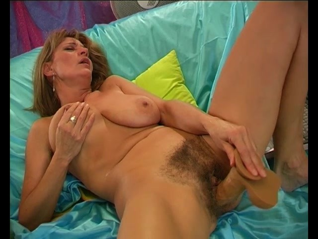 big boobed blonde reife pussy leckte