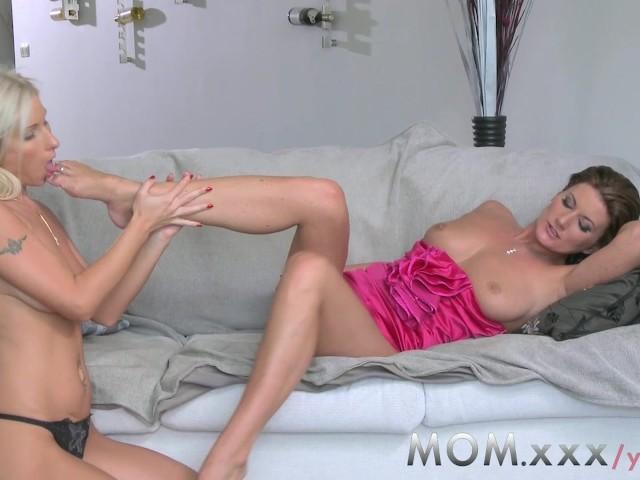 Lesbian Creamy Pussy Eating