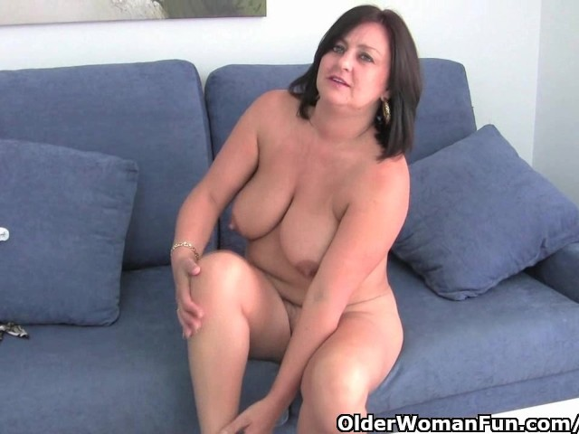 Busty Mature Mom In White Panties And Pantyhose - Free -8643