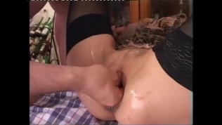 Mature blonde has fun with younger guy - Telsev