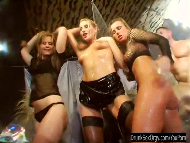 hot-chick-dance-and-fuck