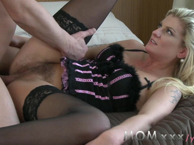 Milf Seduces Pov Creampie