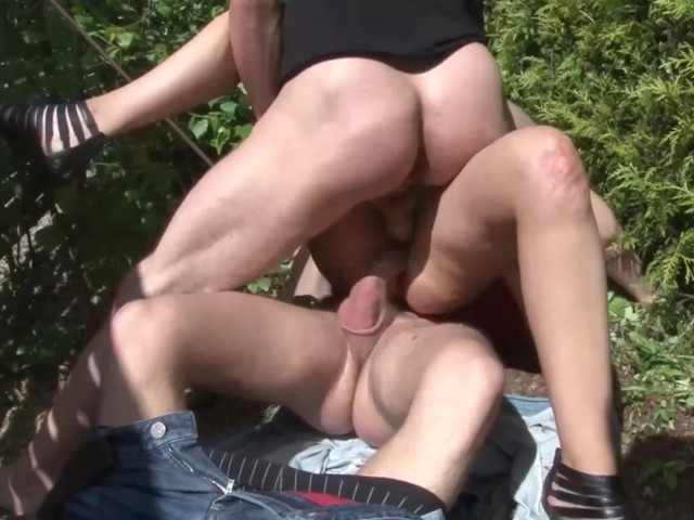 Amateur Outdoor Threesome - Telsev - Free Porn Videos -7814