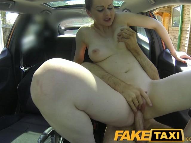 Порно девушке нечем платить за такси — photo 8