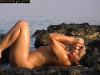 Nude Girls Beach Voyeur