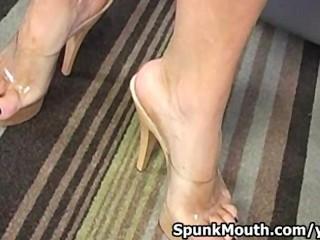 Sexy vixen Dylan Ryder licks and sucks cock for a Spunkmouth