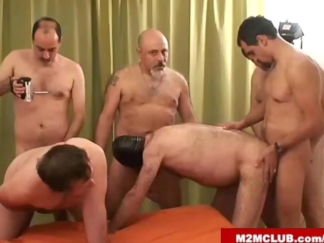 M2M klubb gay Porr