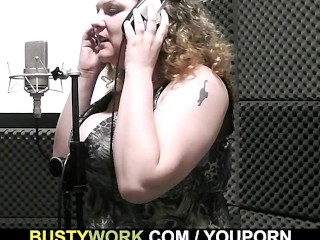He licks then fucks her fat pussy