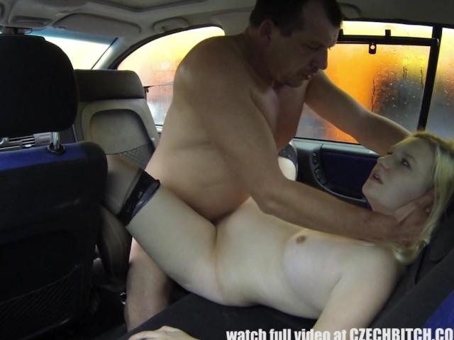 chlupatá fena porno