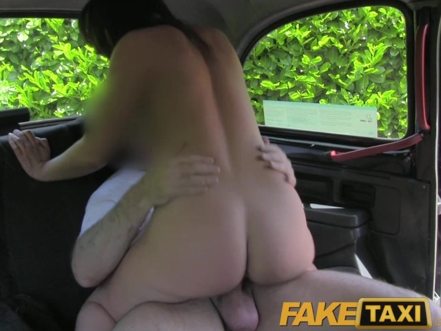 обмена порно замужние в такси заметил
