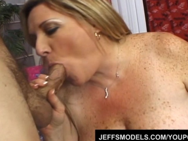 Cum Mature Bbw - Mature Bbw Deedra Rae's Pussy and Mouth Engulf a Guy's Cock ...