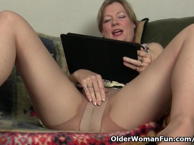 Mom's Pussy Gets so Wet in Pantyhose - Free Porn Videos ...