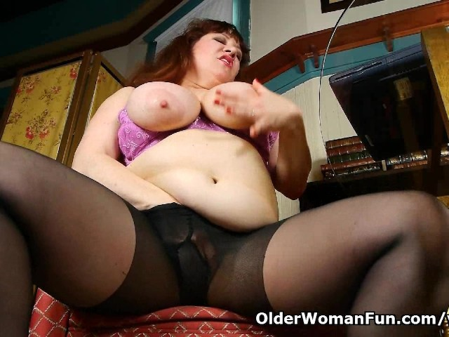 Black Nylons And Online Porn Get Mom Hot And Horny - Free -2312
