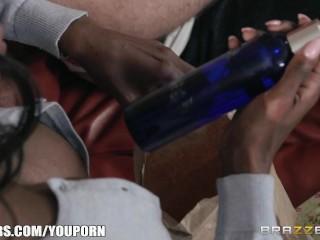 Ebony milf fucks young stud - Brazzers