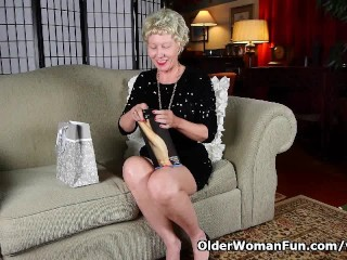 Gilf/nylons/new up all her mom s