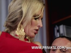 Picture Jenny Simons is her boyfriend s glamorous Ch...