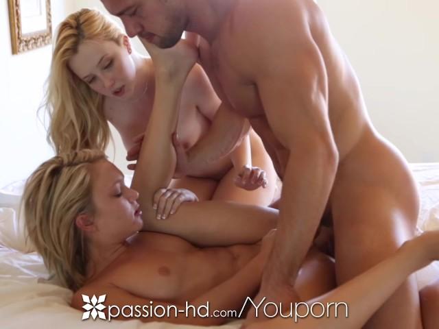 Blonde Twins Teen Threesome