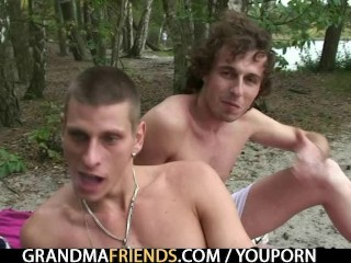 Oldie takes two dicks from both sides