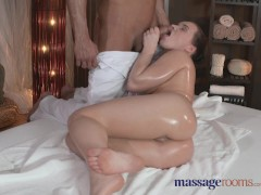 Picture Massage Rooms Sexy Young Girl 18+ with plump...