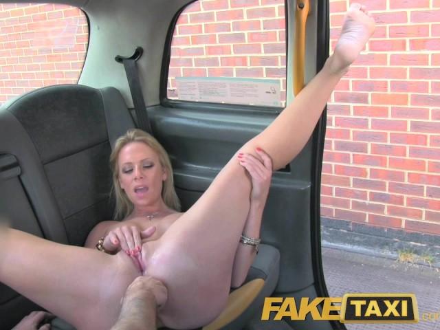 leszbikus taxi szex