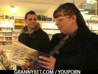 Nerdy old granny is picked up and fucked