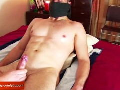 Picture Str8 Room service guy gets wanked his big co...