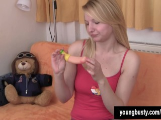 Chesty blonde teen Jane fuck a dildo