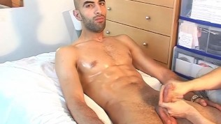 Delivery guy (hetero) gets wanked his big cock by a client for money !