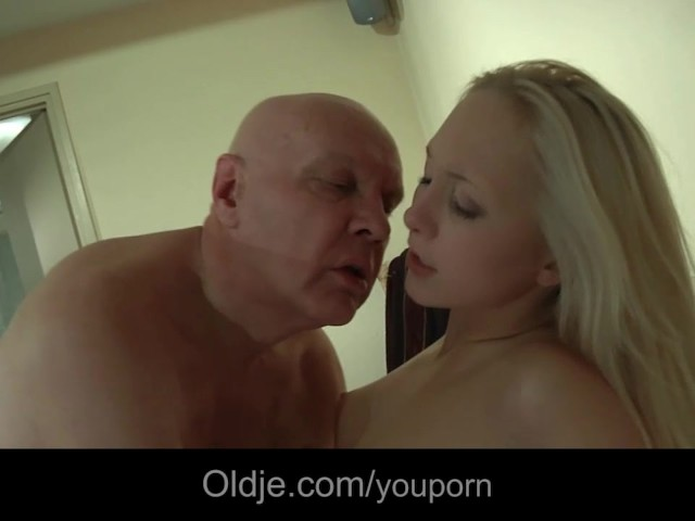 Daddy Fucking Young Daughters