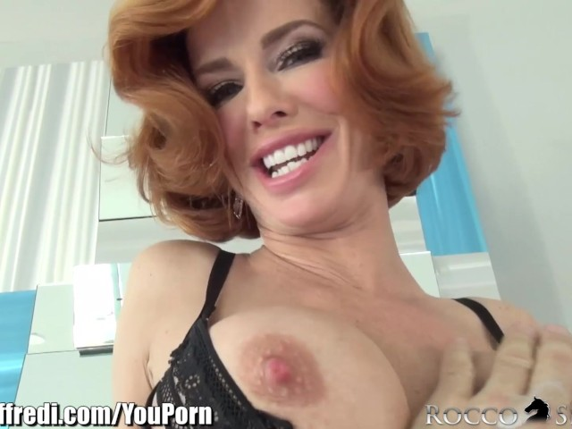 Veronica Avluv Double Fisted