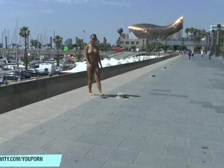 Victoria Sweet shows her sexy naked body on public streets