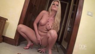 Sandra Shine blowjob