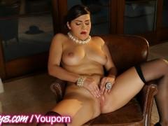 Picture Twistys - Hot treat Valentina Nappi