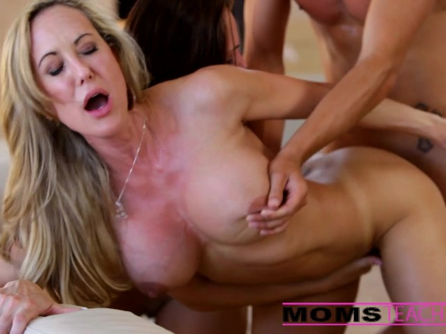 Girlfriend Step Mom Threesome