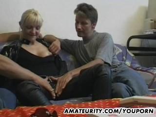 Amateur/blowjob/cum threesome amateur mouth girlfriend