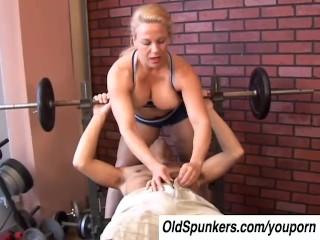 Super sexy mature blonde enjoys a facial cumshot