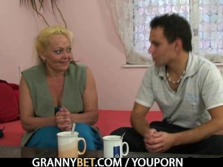 Blonde granny gets her hairy pussy pounded