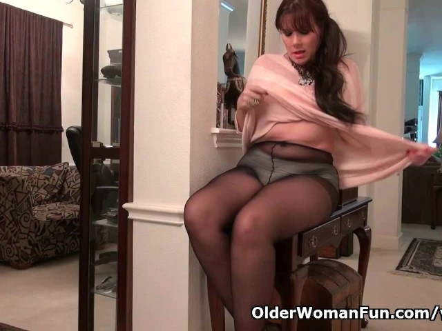 Pantyhose Make Mom Lauren S Pussy Scream For Attention -9985