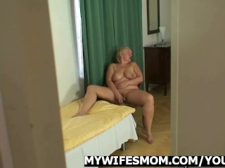 She catches her man and mom fucking