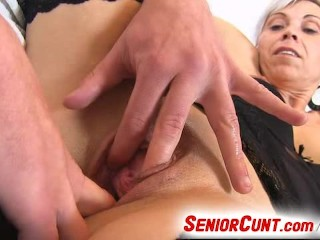 Vagina spreader opens milf Beate up close look inside old pussy