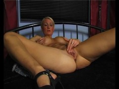 Picture Busty blondie rubbing and cumming - Julia Re...