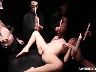 Gangbang Creampie sexy seance gets creamfilled