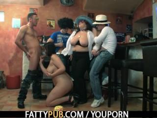 Chubby party girl sucks and fucks