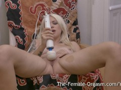 Picture Hot Blonde with Big Pussy Lips Masturbates t...