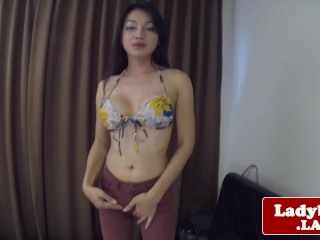 Asian tgirl jerking while rubbing her ass
