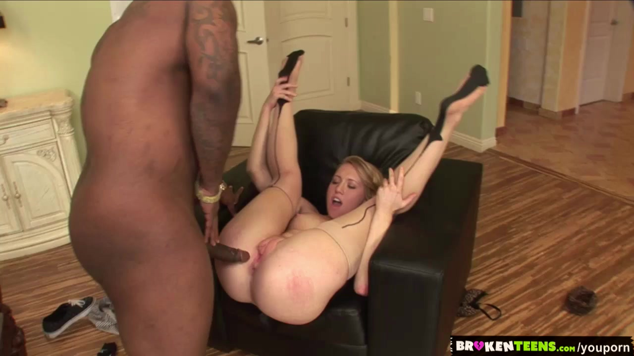 blond milf fucks her prolapse with cola cans and bottles