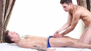 GayRoom - Anthony Veruso massages and fucks Jonathan Kross