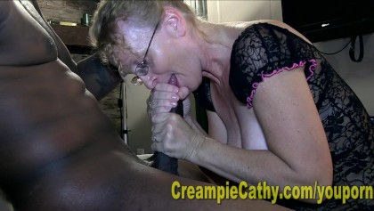 Old lady haveing sex