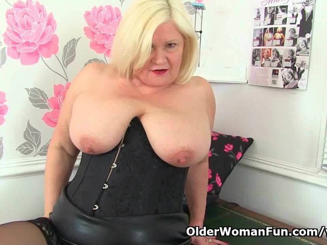 Big Mature Tits Bbw Granny Ass