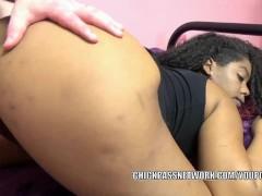 Ebony coed Layla Finesse...